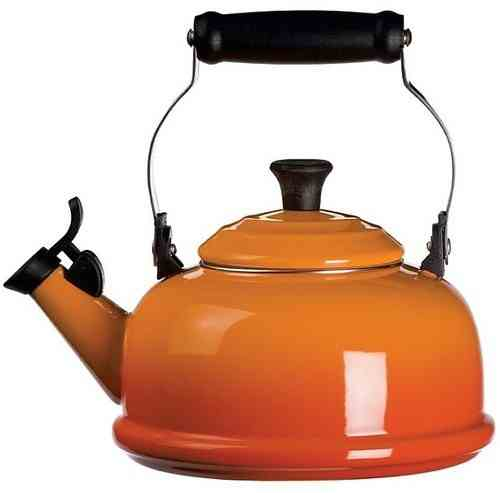 Le Creuset Whistling Tea Kettle 1.7L | Flame