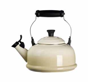 Le Creuset Whistling Tea Kettle 1.7L Dune