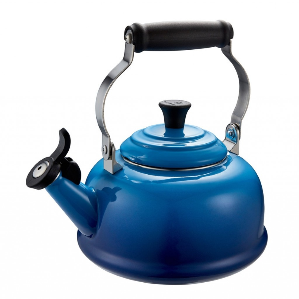 Le Creuset Whistling Tea Kettle 1.7L | Blueberry